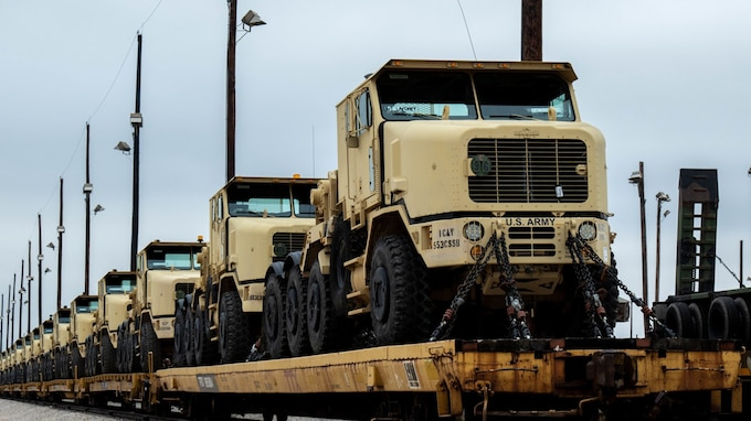 1st Cavalry Division 'Wagonmasters' load up for DEFENDER-Europe 20