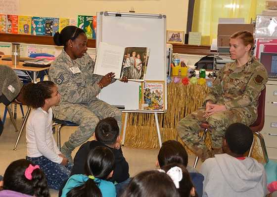 DLA Aviation military members read to elementary school students
