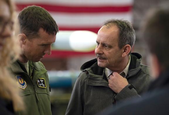 Saarland parliamentarians visit Spangdahlem Air Base