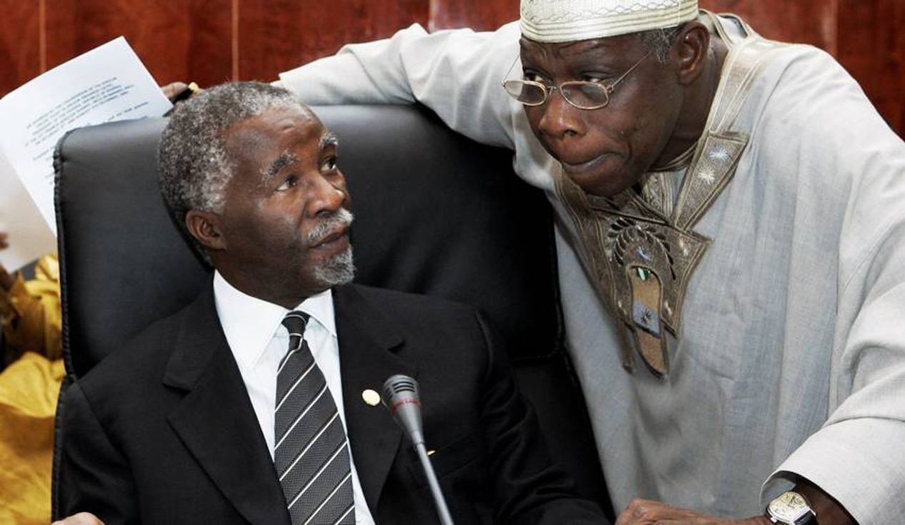 Former  presidents  Mbeki and Obasanjo discuss issues at the 6th Tana High-Level Forum on Security in Africa, held in Bahir Dar, Ethiopia, 22–23 April 2017.