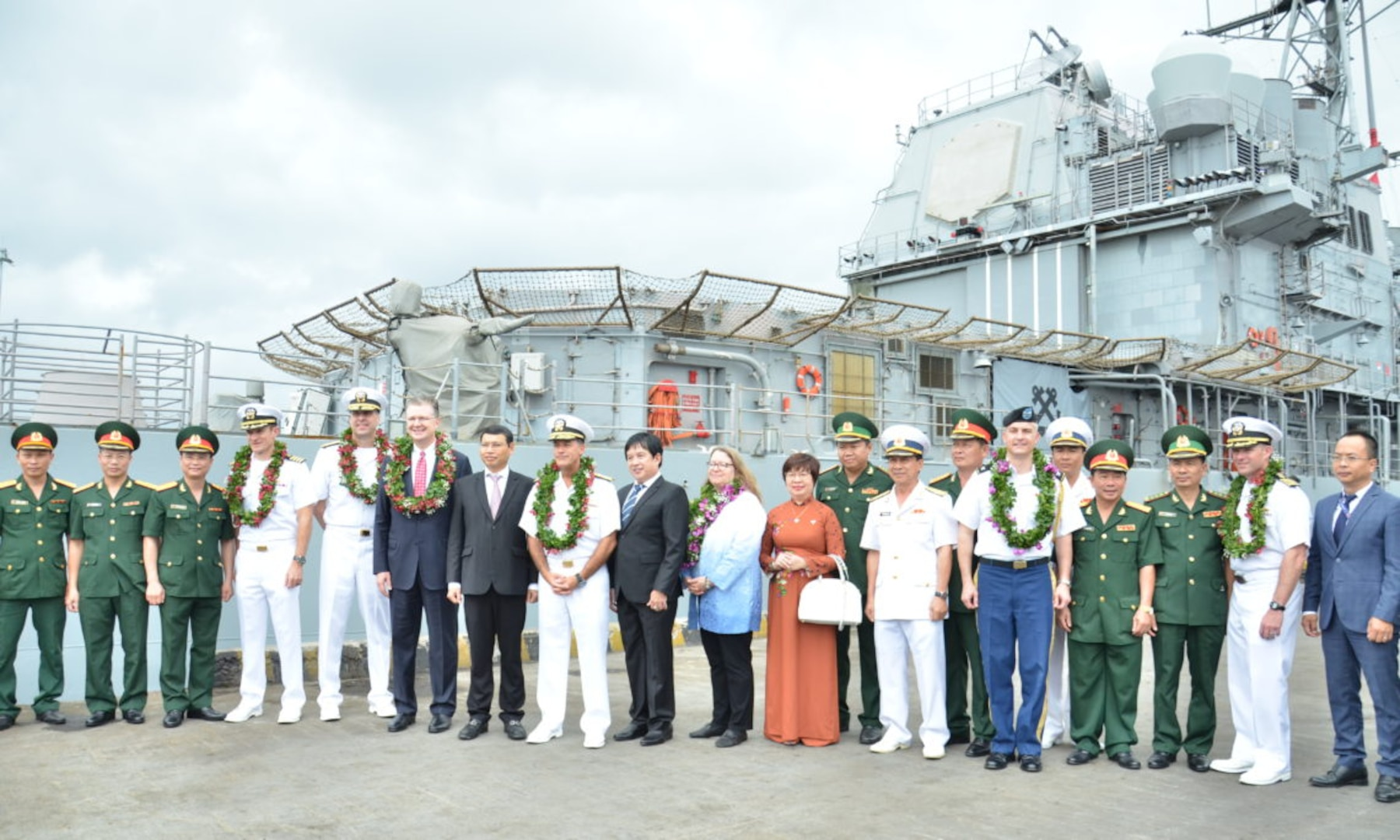 Theodore Roosevelt Strike Group Completes Port Visit to Da Nang to Commemorate 25 Years of Diplomatic Relations