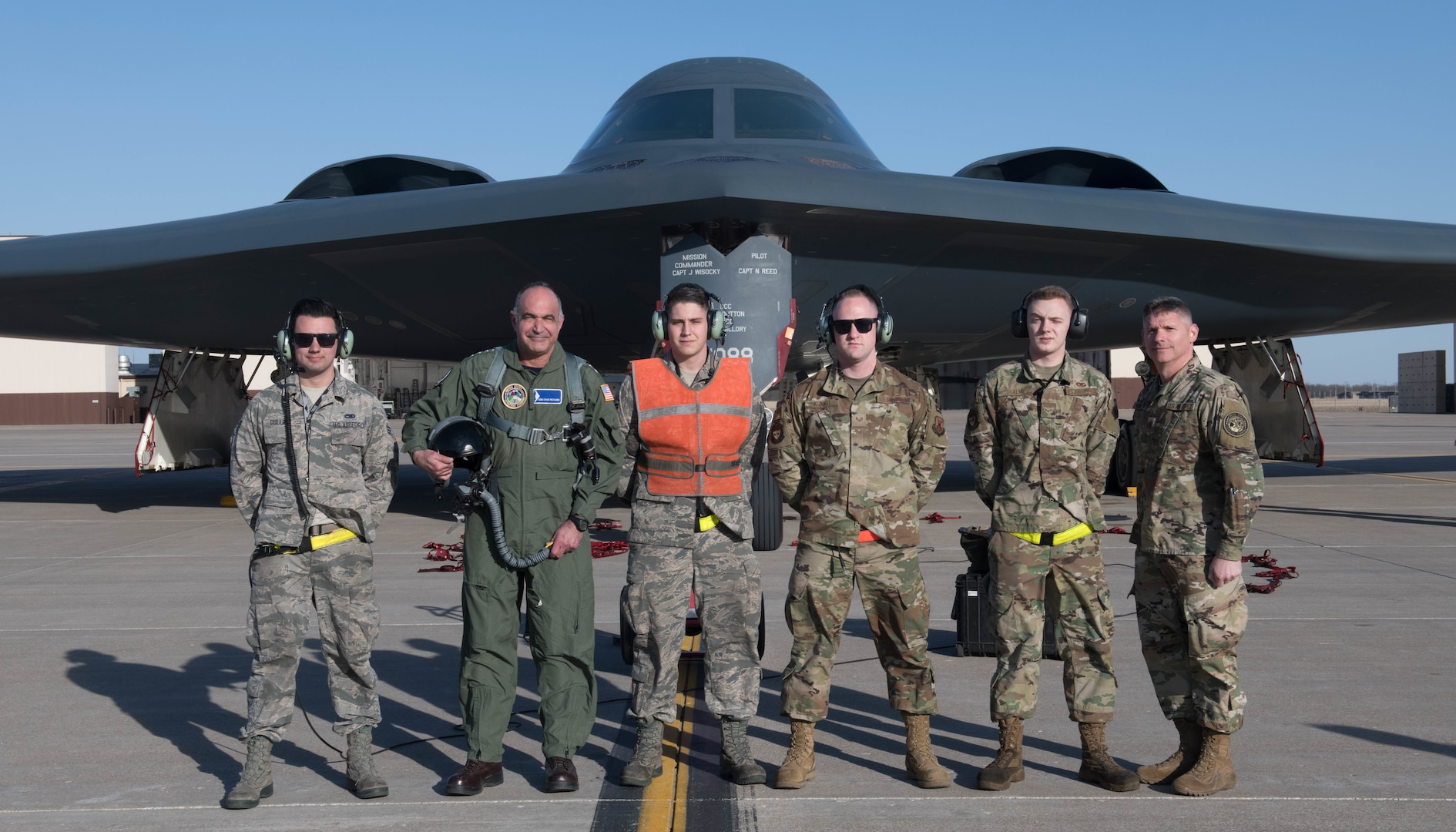 Richard and McMahon interacted with Airmen at Whiteman AFB and shared their perspectives on the strategic deterrence mission. (U.S. Air Force Photo by Airman 1st Class Thomas Johns)