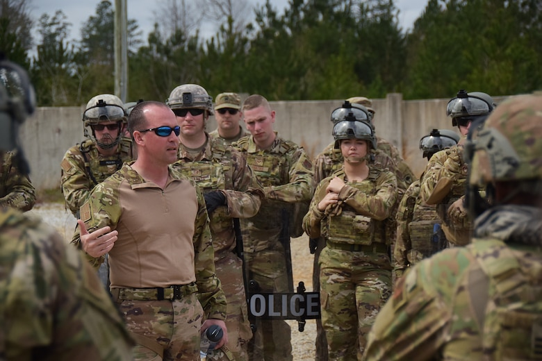 U.S. Air Force Master Sgt. Christopher Distel, assigned to the 178th Wing's Security Forces Squadron, Ohio Air National Guard, provides instruction during a training session at Patriot South, a domestic operations exercise at Camp Shelby, Mississippi, March 2, 2020. The 178th SFS lead a security execution with members from the 179th, 180th, and 121st, along with members from the Iowa and New Jersey Air National Guard in a support role to the Mississippi Department of Wildlife, Fisheries and Parks' Special Response Team. (U.S. Air National Guard photo by Capt. Lou Burton)