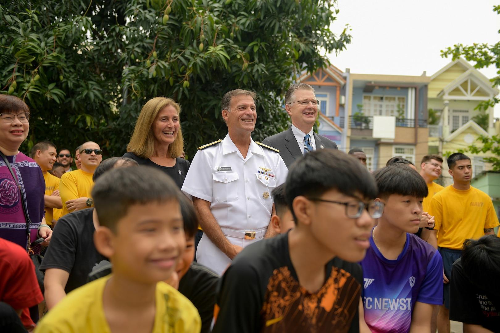 Sailors Contribute During Vietnam Port Call