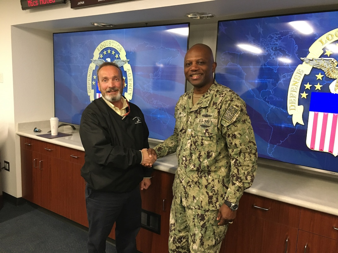 Director of Portsmouth Naval Shipyard Detachment Point Loma, California, shares leadership principles and experiences with DLA Distribution San Diego team during visit