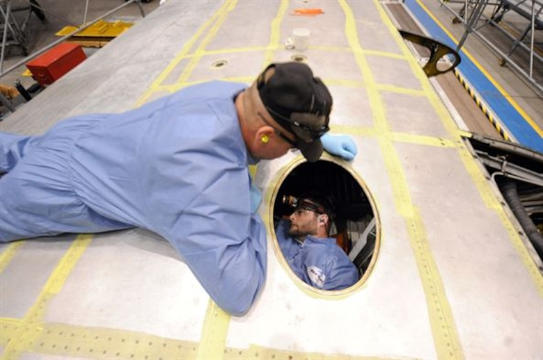 Current state-of-the-art for aircraft confined space maintenance
