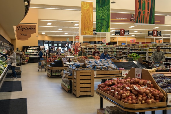 Photo of people shopping at the commissary.