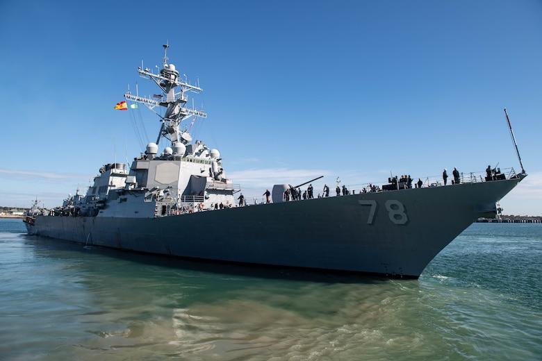 USS Porter (DDG 78) departs Naval Station Rota