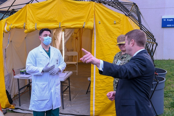 Army Working to Develop COVID-19 Vaccines as Force Preps Its Response