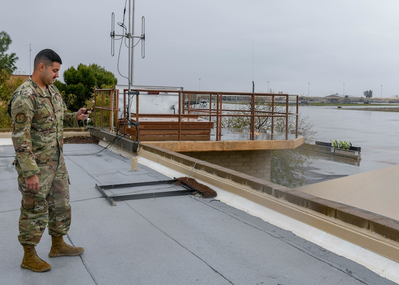Weather Airmen keep their eyes on the sky