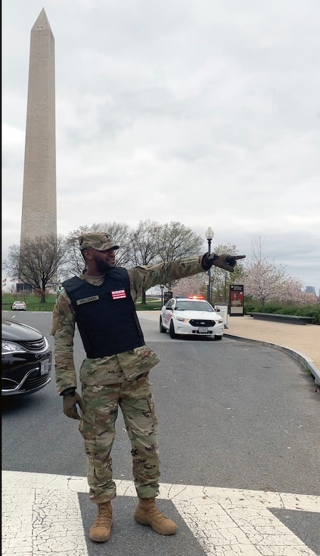 D.C. National Guard soldier supports D.C. Metropolitan Police