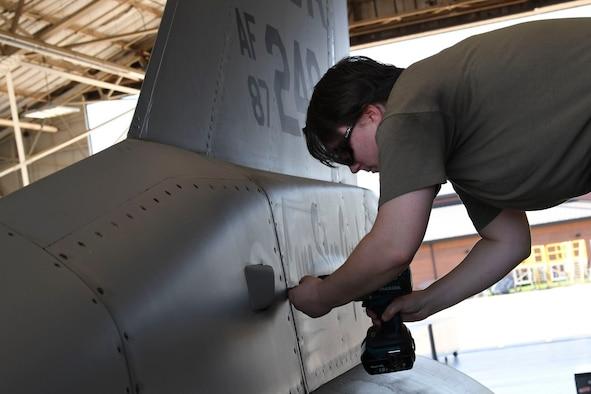 Checking F-16