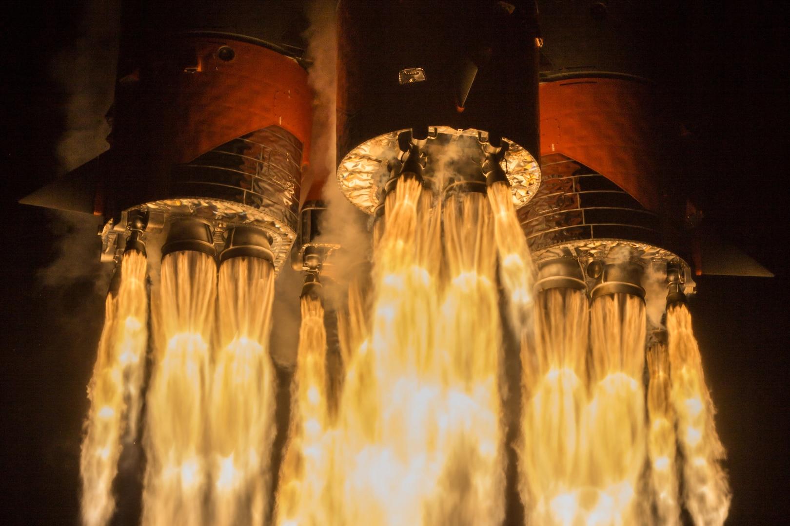 Soyuz-2.1b rocket lifts off from Baikonur Cosmodrome in Kazakhstan, together with 34 OneWeb communication satellites (Courtesy Roscosmos)
