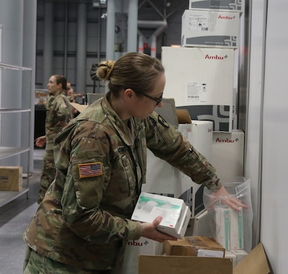 Soldiers stock medical supplies