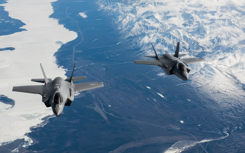 F-35s arrive at Eielson