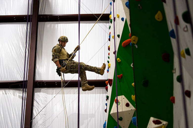 38th RQS conducts high angle rescue training