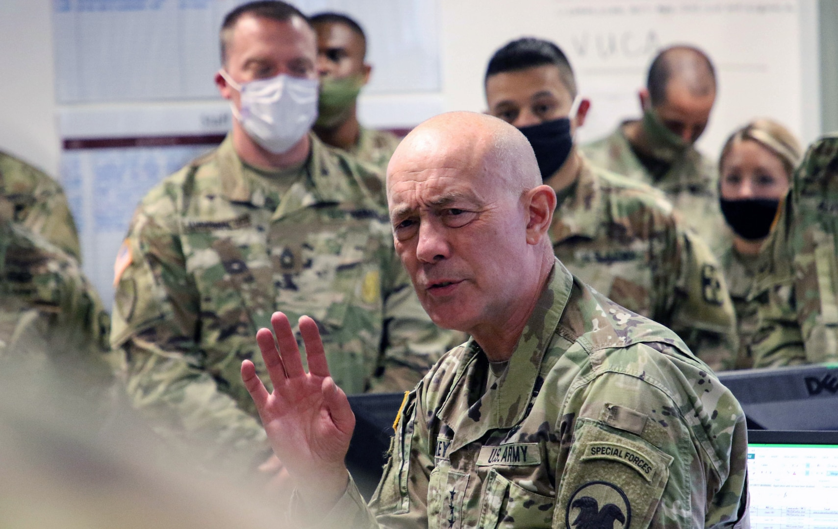 General talks to Soldiers