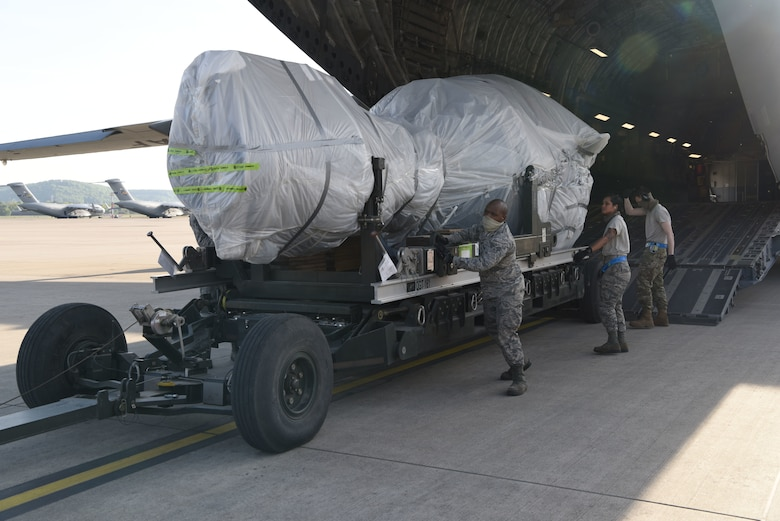Engine trailers are used to transport, store and remove aircraft engines safely.