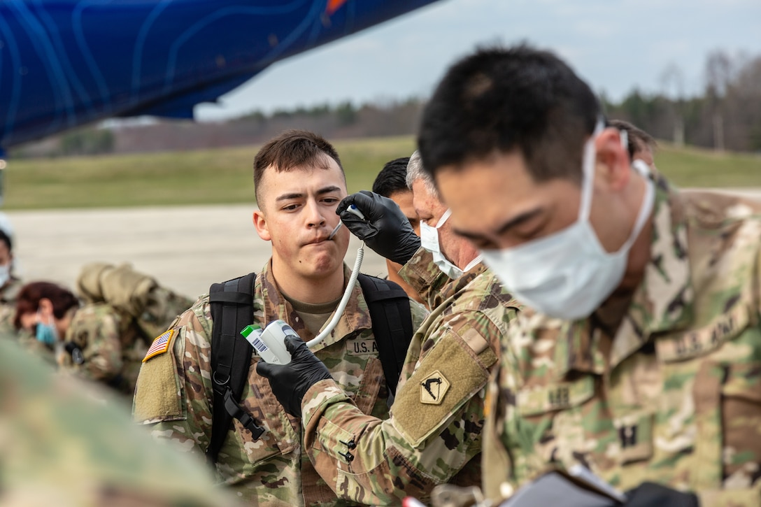 Soldiers with the 94th CSH arrive at Hanscom  Air Force Base