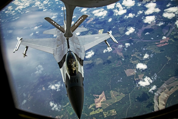 117ARW Refuels F-16 During Operation American Resolve