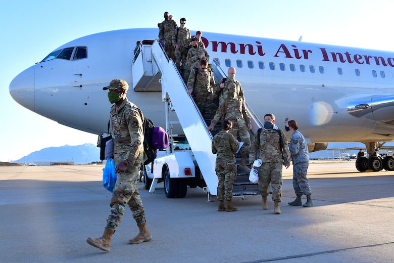 A photo of the 34th Fighter Squadron homecoming