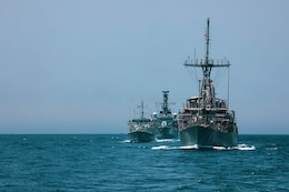 200428-A-DZ781-0009 ARABIAN GULF (May 28, 2020) – The HMS Argyll, HMS Shoreham and the mine countermeasures ship USS Dextrous (MCM 13) participate in the bilateral Mine Countermeasures Exercise 2020 (MCMEX 20) with the mine countermeasures ship USS Gladiator (MCM 11) in the Arabian Gulf, March 28. Gladiator is forward-deployed to the U.S. 5th Fleet area of operations in support of naval operations to ensure maritime stability and security in the Central region, connecting the Mediterranean and the Pacific through the Western Indian Ocean and three strategic choke points. (U.S. Army photo by Pfc. Christopher Cameron)