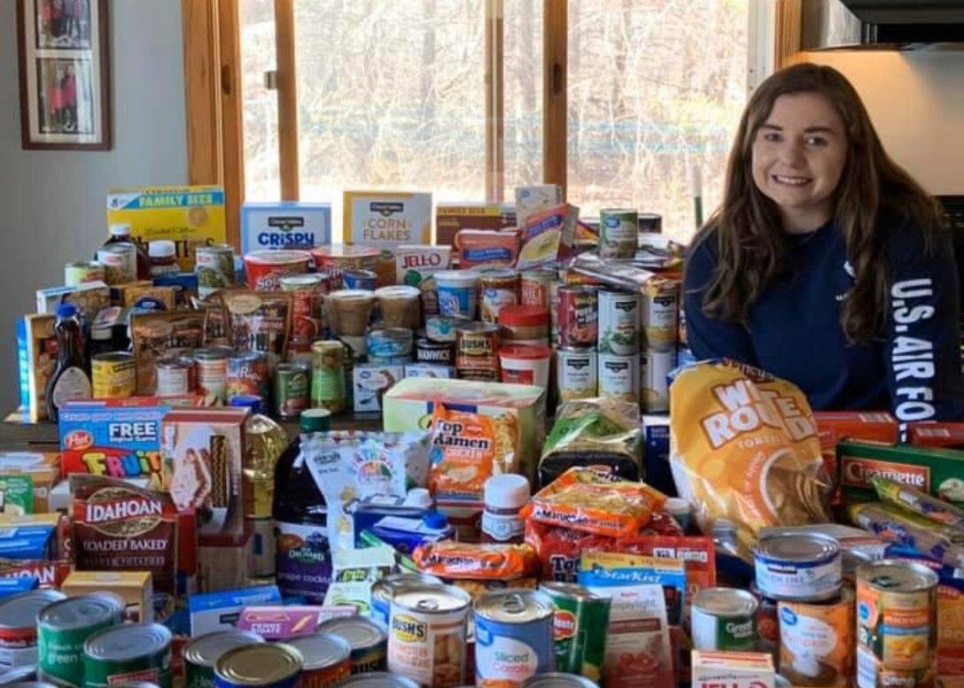 Student flight members donate to food pantries