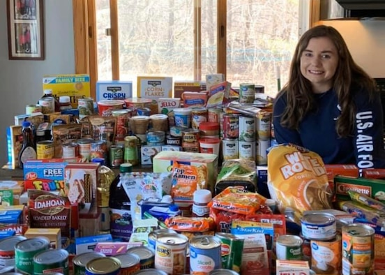 Student flight members donate to food pantries
