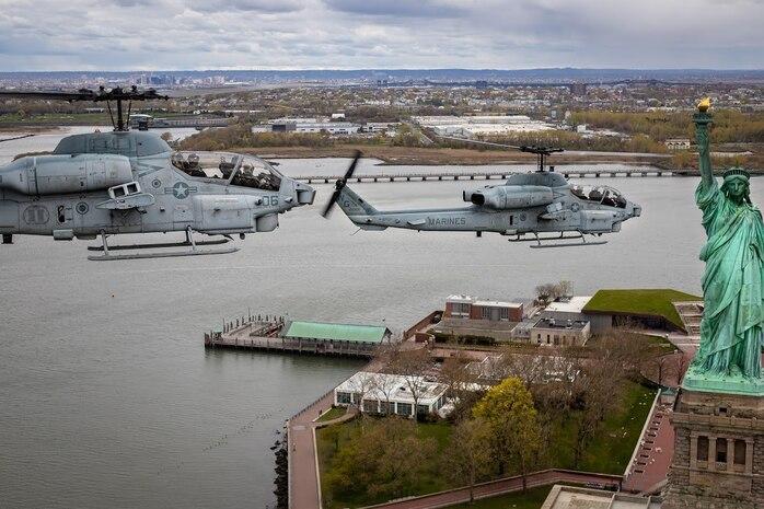 HMLA-773 Conducts Final AH-1W Super Cobra Flight Over New York City