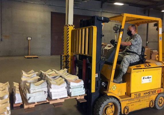 DLA Distribution Bahrain supplies U.S. Central Command troops despite border restrictions