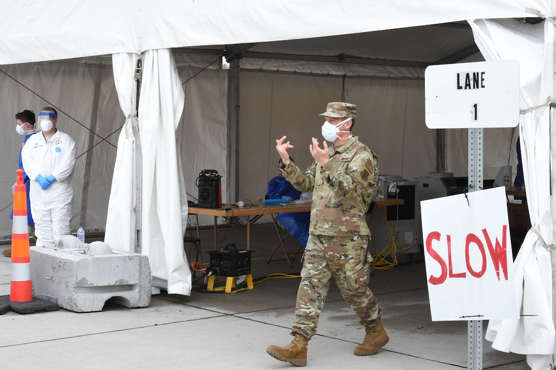 132d Medical Group Airmen conducted COVID-19 screening May 14, 2020 in at a Joint Mobile Screening Center in Denison, Iowa. The Airmen work with Army National Guard Soldiers to test Iowans in Crawford County (U.S. Air National Guard photo by Senior Master Sgt. Bobby Shepherd).