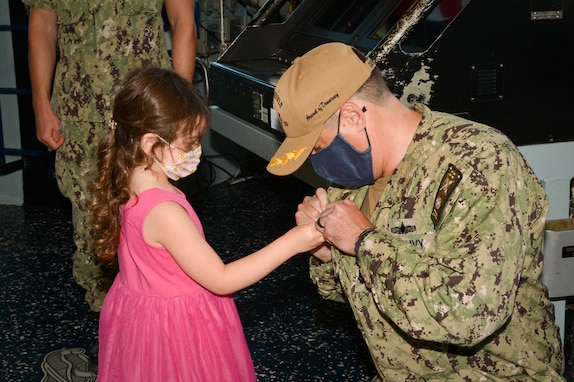 USS Roosevelt Holds Change of Command Ceremony
