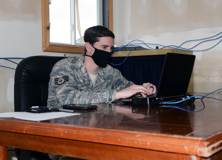 Staff Sgt. works on contract
