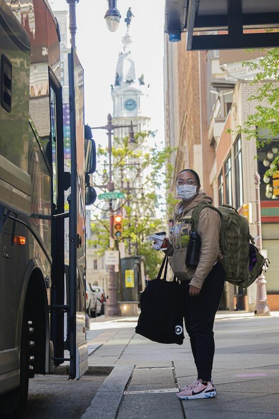 UAMTF 352-1 departing from Philadelphia