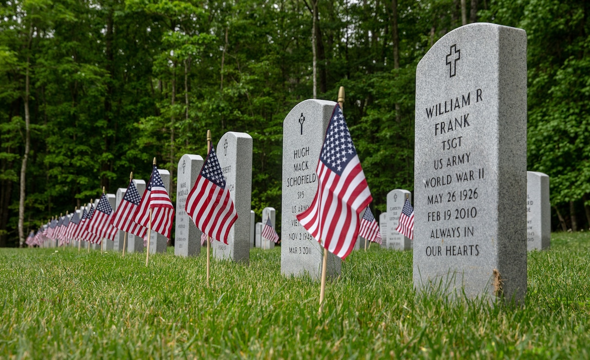 U.S. Marines conduct a Memorial Day Ceremony at the Quantico National Cemetery, Triangle, Va., May, 25.
