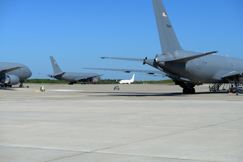 Gen. Joseph L. Lengyel, the Chief of the National Guard Bureau, arrives at Pease Air National Guard Base, Newington, N.H. aboard a D.C. National Guard C-40, May 27, 2020. (U.S. Air National Guard Photo by Senior Master Sgt. Timm Huffman)