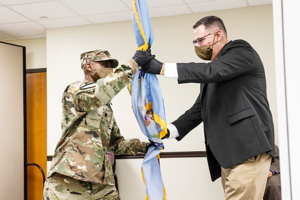 Virtual change of command ceremony marks leadership turnover for DLA Distribution Anniston
