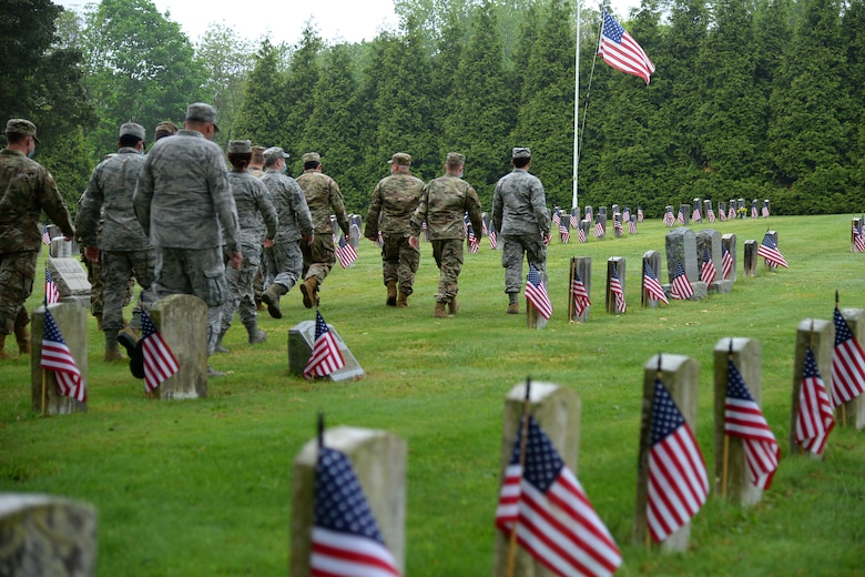 NJANG Members Honor Veterans for Memorial Day