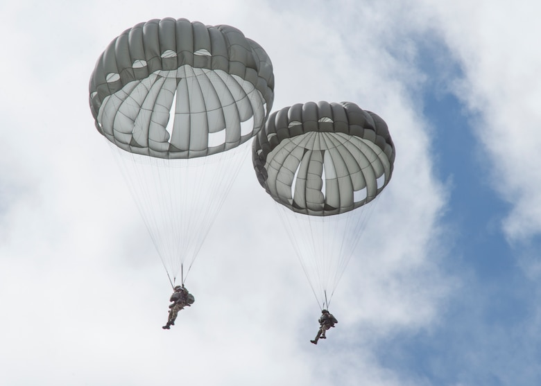 3rd Air Support Operations Squadron conducts airborne training at JBER
