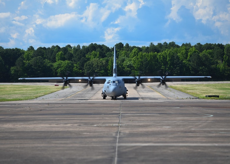 19th AW, AMC receive final C-130J