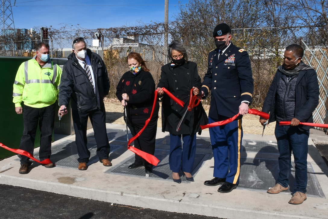 The U.S. Army Corps of Engineers, Rep. Robin Kelly (IL-2), and Calumet City Mayor Michelle Markiewicz Qualkinbush held a ribbon-cutting ceremony to mark the completion of a storm water pump replacement project in Calumet City, Illinois