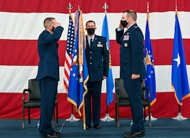 Col. Michael Parks, 507th Air Refueling Wing commander, accepts command of the 507th ARW from Brig. Gen. Jeffrey Pennington, 4th Air Force commander, during a change of command ceremony Nov. 8, 2020, at Tinker Air Force Base, Oklahoma. (U.S. Air Force photo by Senior Airman Mary Begy)