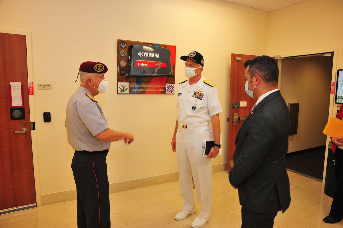 Ecuadorian Army Lt. Gen. Luis Lara Jaramillo, Chief of the Ecuadorian Armed Forces' Joint Staff, talks with  U.S. Navy Adm. Craig Faller, the commander of U.S. Southern Command.