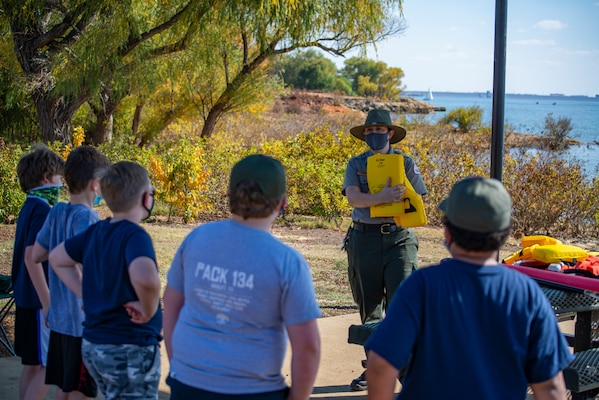 Cub Scouts at Grapevine Lake