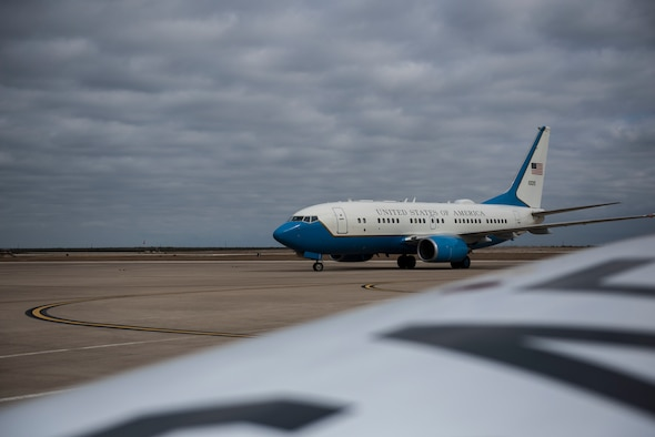 A C-40B from the 89th Airlift Wing at Joint Base Andrews, Md., lands at Laughlin Air Force Base, Texas, on Nov. 18, 2020. Officer and enlisted Airmen from the 89th AW traveled here to recruit personnel for positions at their wing including pilots, navigators, flight engineers, flight attendants, ect. (U.S. Air Force photo by Airman 1st Class David Phaff)