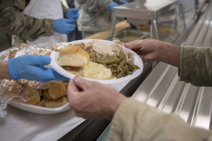Thanksgiving Feed-the-Troops tradition continues despite COVID-19