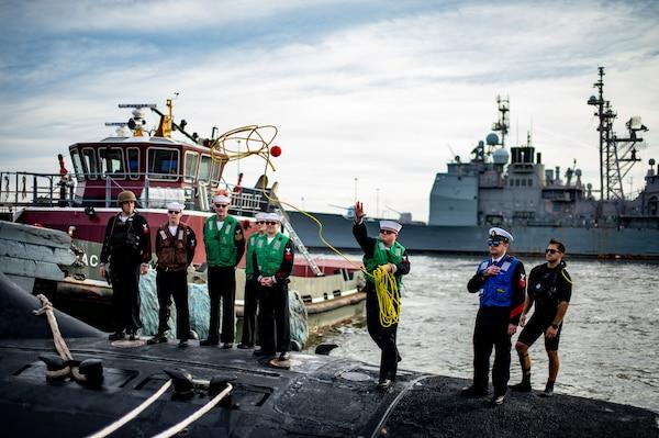 USS John Warner (SSN 785) returns to homeport at Naval Station Norfolk