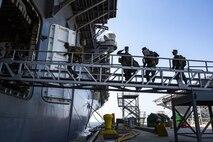 15th MEU Marines, Sailors embark USS Makin Island ahead of at-sea training