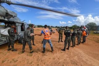 Helicopter Sea Combat Squadron (HSC) 22 Detachment 6 assigned to the Freedom-variant littoral combat ship USS Sioux City (LCS 11) join U.S. Southern Command's Hurricane Iota relief efforts in Central America, Nov. 27, 2020.