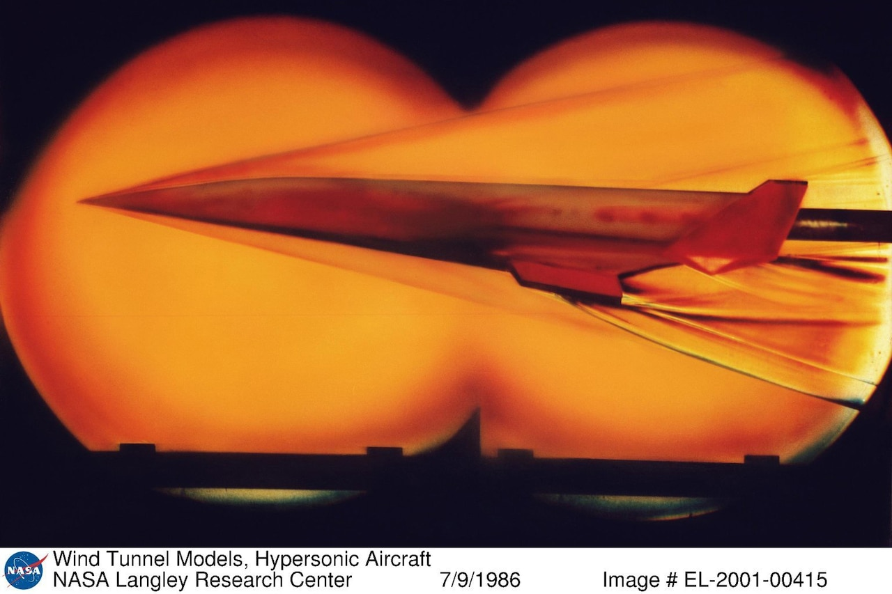 Hypersonic vehicle flies in a wind tunnel.